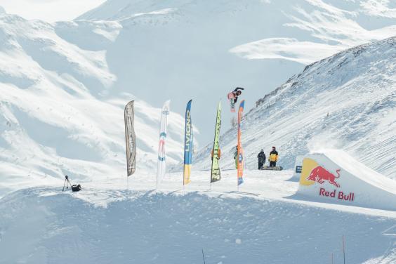 alex_lotorto_al_world_rookie_fest_allo_snowpark_mottolino_di_livigno_w564_h376